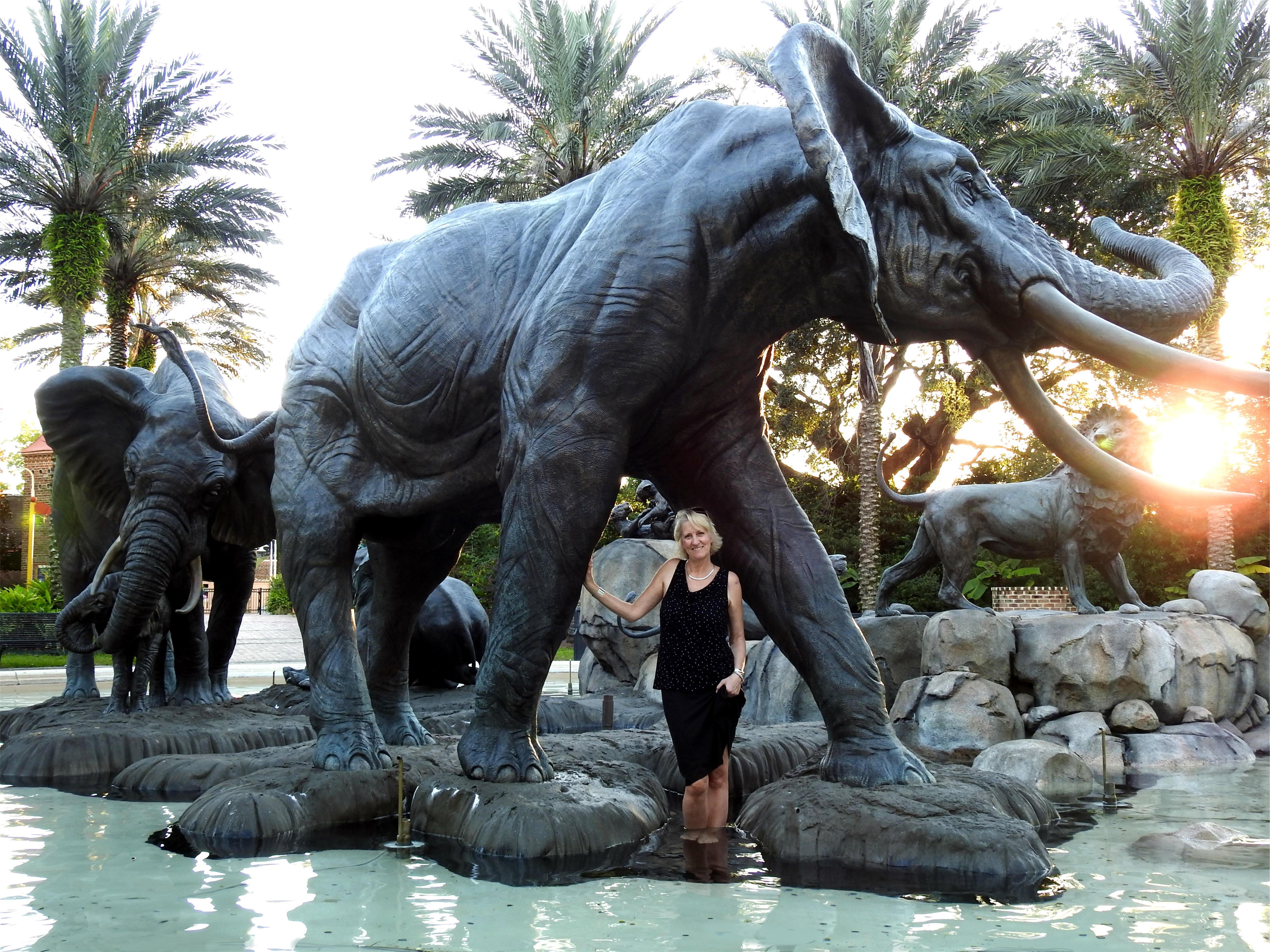 Juveniles MonumentThe Audubon Zoo Sculpture ProjectThe Elephant Family -